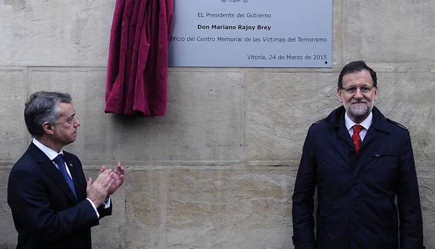 Íñigo Urkullu (izda.) y Mariano Rajoy, este martes