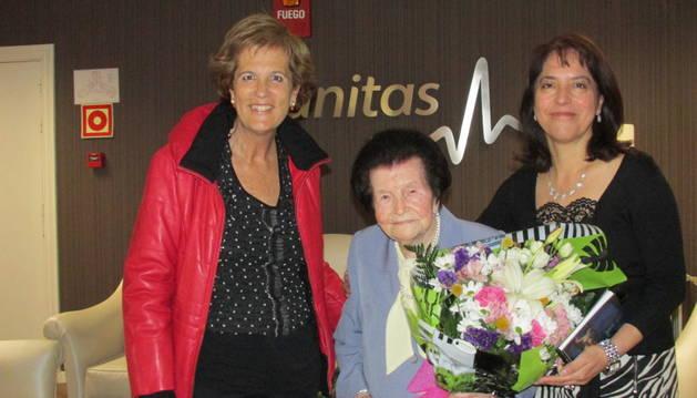 La vecina de Estella Ángeles Miquélez, cumplió ayer 106 años
