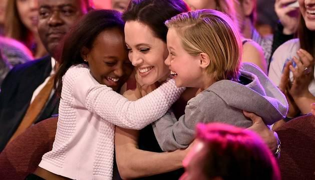 Jolie, en su primera aparición tras el anuncio de la extirpación de ovarios
