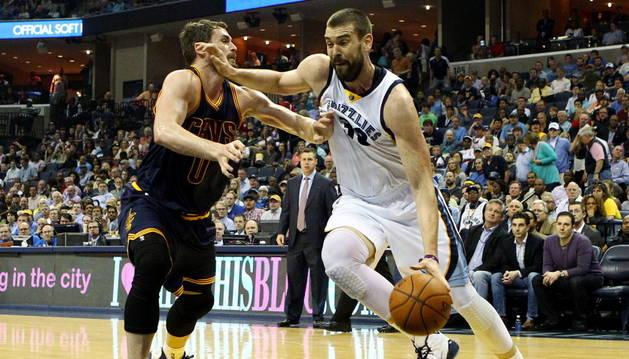 Marc Gasol se topó con Splitter y los Grizzlies con los Spurs