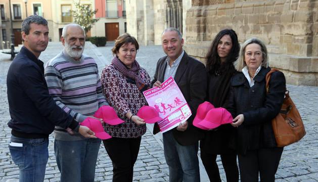 De izquierda a derecha, Rubén Olmo, Paco Muñoz, Ana Ros, Jesús Álava, Natalia Castro y Anichu Agüera.
