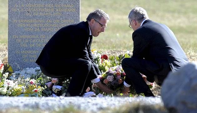 El presidente de Lufthansa visita la zona del accidente