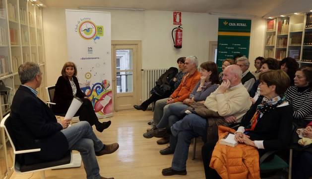 Alicia Giménez Bartlett en el Club de Lectura de Diario de Navarra