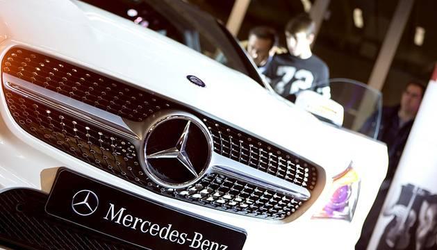 Las instalaciones de Gazpi Mercedes, en Tajonar, acogieron la presentación del nuevo CLA Shooting brake, novedoso modelo de la marca Mercedes. Tras el acto oficial, los asistentes pudieron disfrutar con el animado ambiente del catering y el concierto que ofreció el cuarteto de cuerda Nebari.