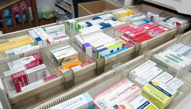 Imagen de un cajón con medicamentos.