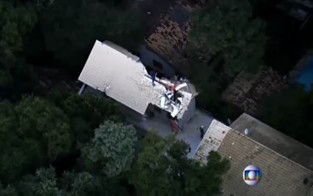 Un helicóptero se estrella contra una casa en Brasil