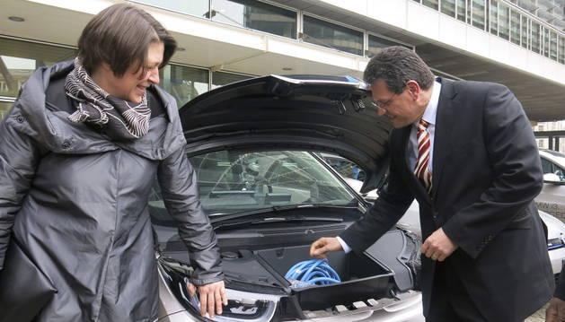 Un acto promocional del coche eléctrico.