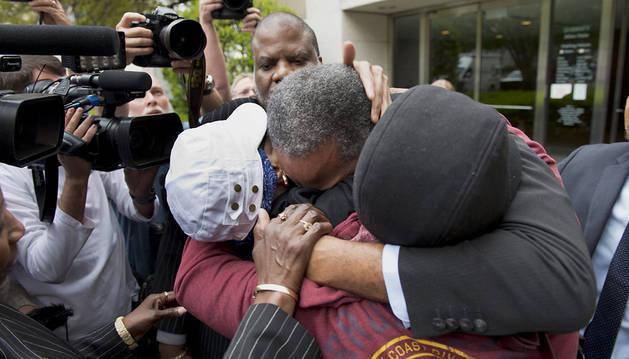 Liberado un preso inocente tras pasar 30 años en el corredor de la muerte