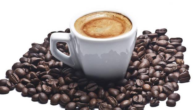 Tomar de tres a cinco tazas de café es bueno para la salud