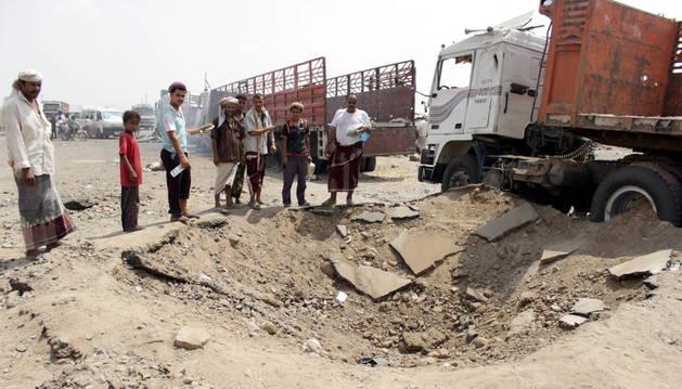 La situación es especialmente grave en Adén, donde los rebeldes hutíes han logrado avances en sus posiciones en los últimos dos días.