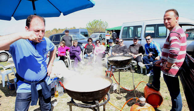 El calderete fue el plato 'estrella' entre las cuadrillas que se citaron ayer en el Yugo.