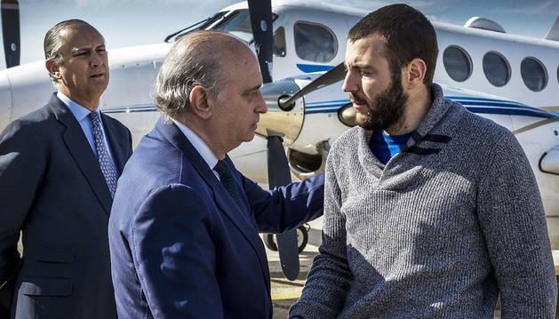 Regresa a España el espeleólogo que sobrevivió al accidente de Marruecos
