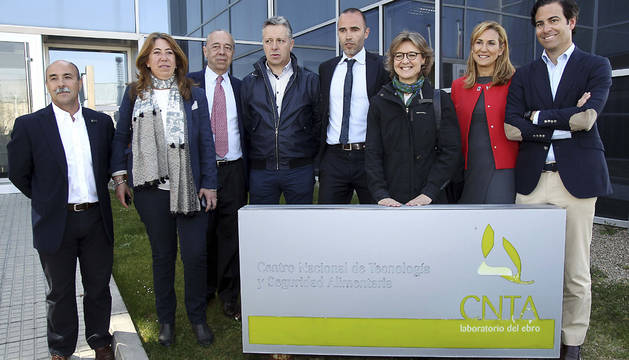 La ministra Tejerina ha visitado también el CNTA en San Adrián.