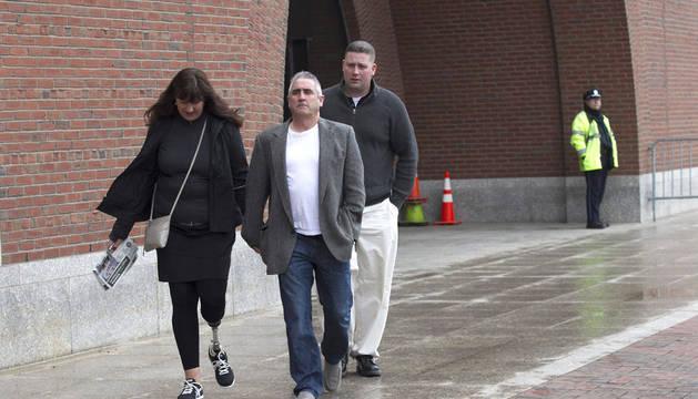 Karen Rand McWatter, una víctima del ataque con bomba a la maratón de Boston, y su esposo Kevin McWatters.