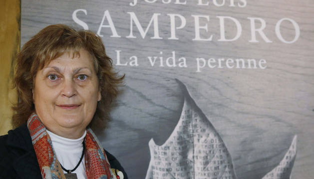 Olga Lucas, viuda de José Luis Sampedro, durante la presentación de la obra.