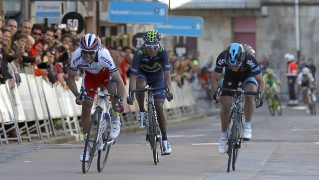 Purito se impuso en meta a Henao y Quintana