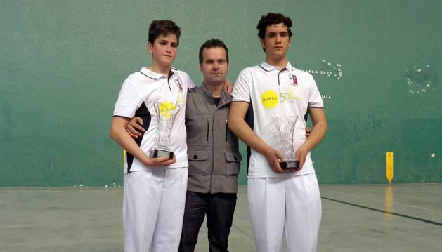 La pareja cabanillera, finalista del torneo.