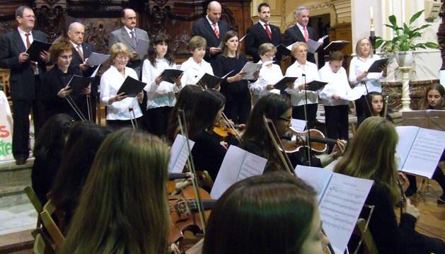 Instante del recital que tuvo lugar en la iglesia de los Carmelitas de Villafranca.
