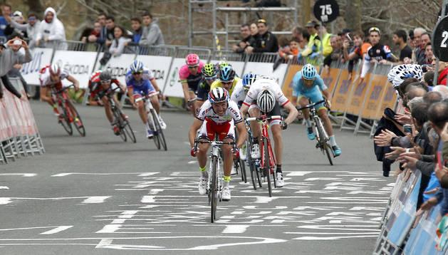 'Purito' venció al sprint en Arrate