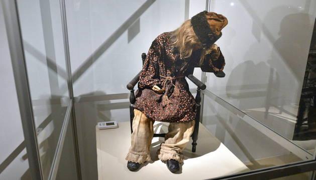 La momia del niño embalsamado en el siglo XIX.