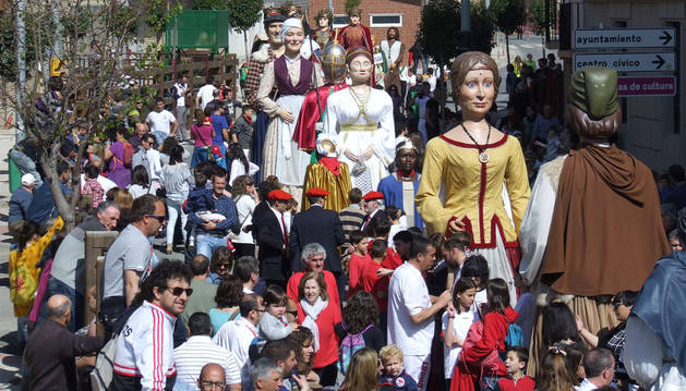 La concentración de gigantes reunió a numeroso público.