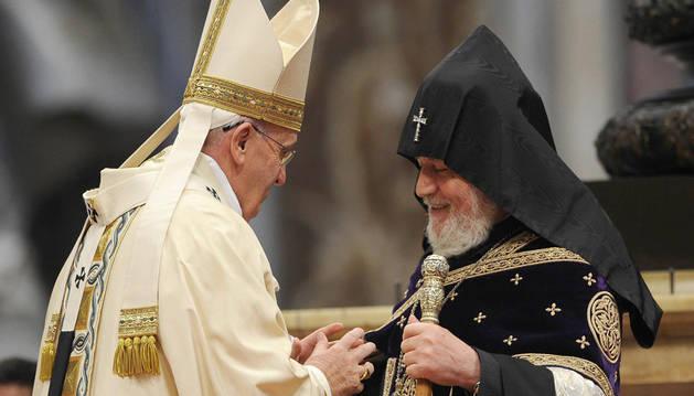 El Papa junto al Supremo Patriarca Karekin II.