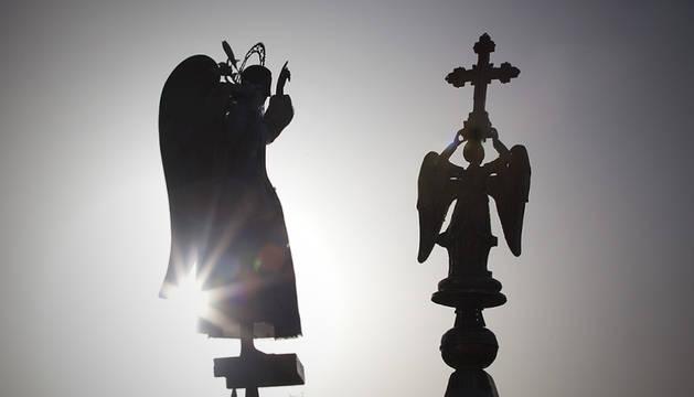 Llegada de San Miguel de Aralar a Pamplona