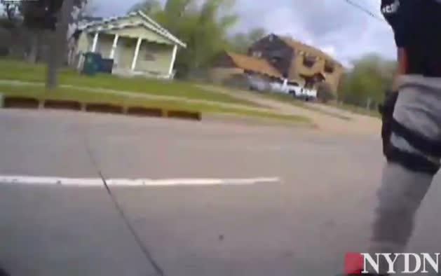 Un policía dispara de muerte a un ciudadano negro en EE UU