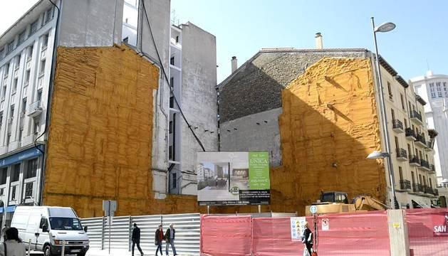 Obras en el solar del antiguo edificio de Iberdrola
