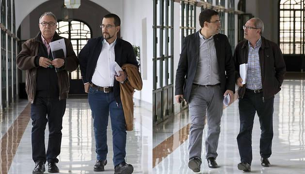 Sergio Pascual y Manuel Garí (izda,) de Podemos, y Juan Cornejo y Mario Jiménez, del PSOE, a su llegada al Parlamento andaluz.
