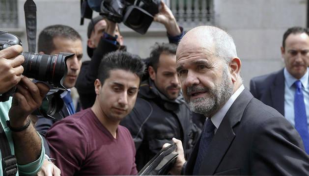 Manuel Chaves, a su salida tras declarar en el Supremo.