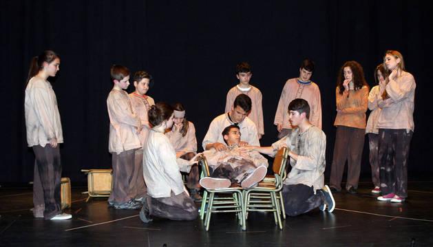 Actores de la Joven Compañía de Teatro de Cascante.