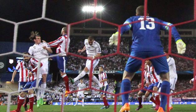 Una imagen del Atlético-Real Madrid.