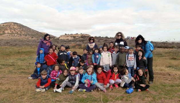 Un grupo de participantes en el Día del árbol.
