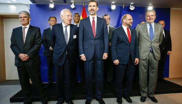 Foto de familia de la visita de Felipe VI al Parlamento Europeo.