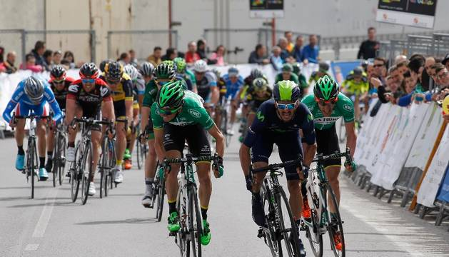 Esprint de la primera etapa de la Vuelta a Castilla y León.