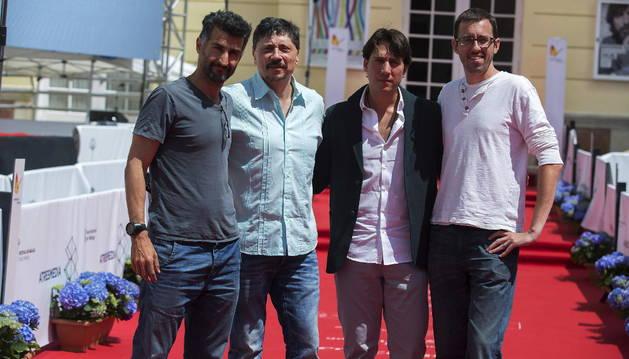 Parte del equipo del filme 'La deuda'.