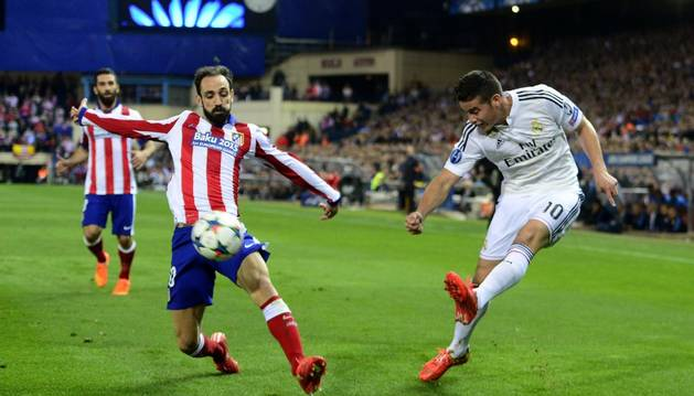 Juanfran, junto a James