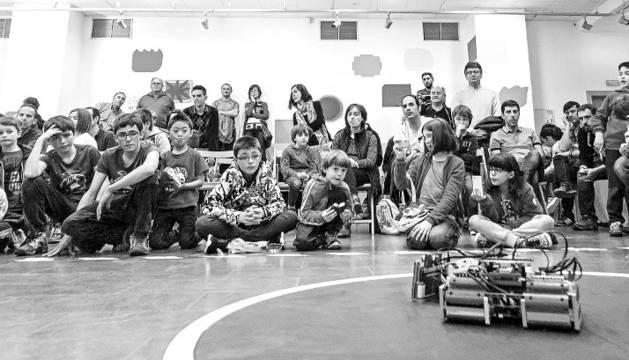 Los robots Lego entran en juego en la Casa de la Juventud de Estella