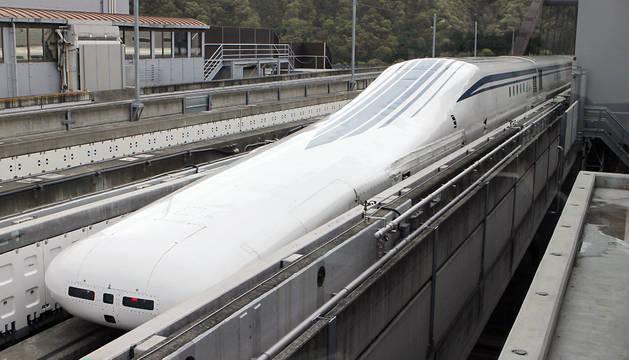 El tren, en la estación central de Japón.