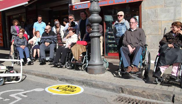 Respetar los aparcamientos para las personas con discapacidades