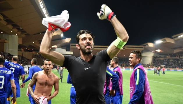 Buffon celebra el pase a semifinales