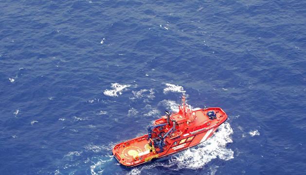 Uno de los buques de Salvamento Marítimo.