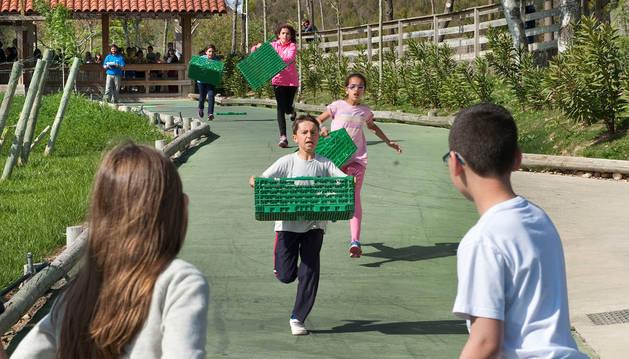 Los alumnos compiten en el Circuito fórmula.