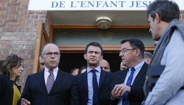 Valls, en una de las iglesias objetivo de los ataques.