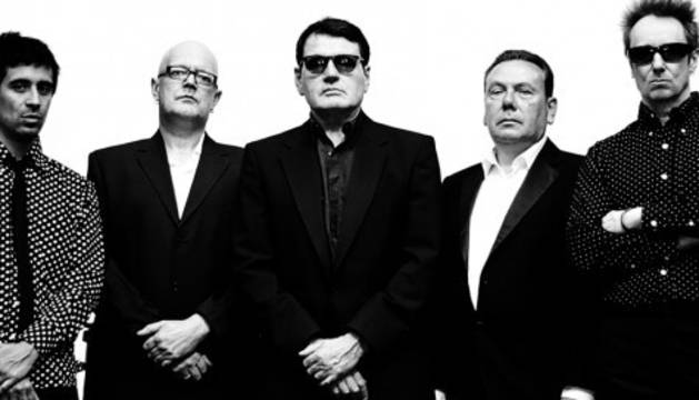 El quinteto londinense The Godfathers.
