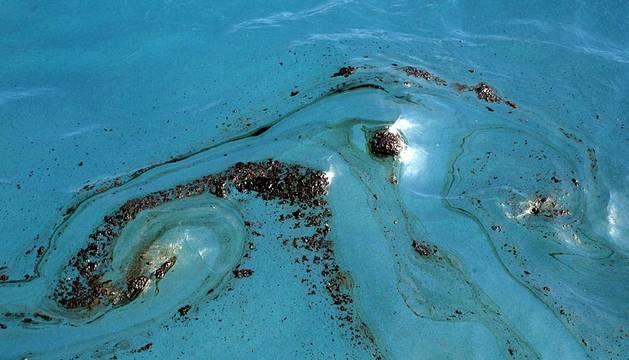 Vertido de fuel en aguas de Canarias