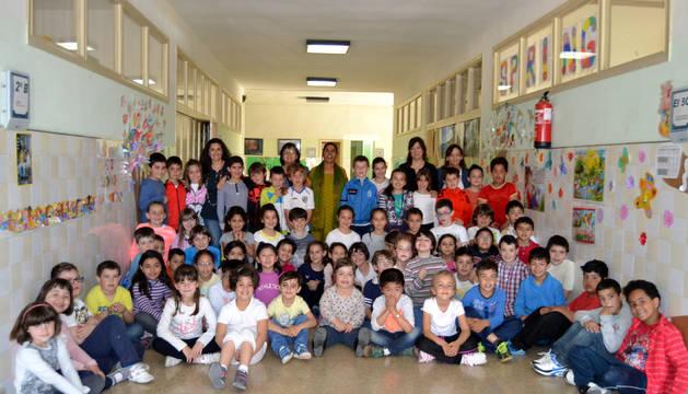 San Adrián canjea donativos escolares  por ladrillos solidarios