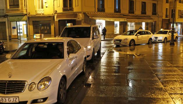Los taxistas piden que se les tenga en cuenta en la nueva red para villavesas