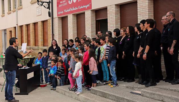 Aibar lucha por su escuela y apoya la educación pública